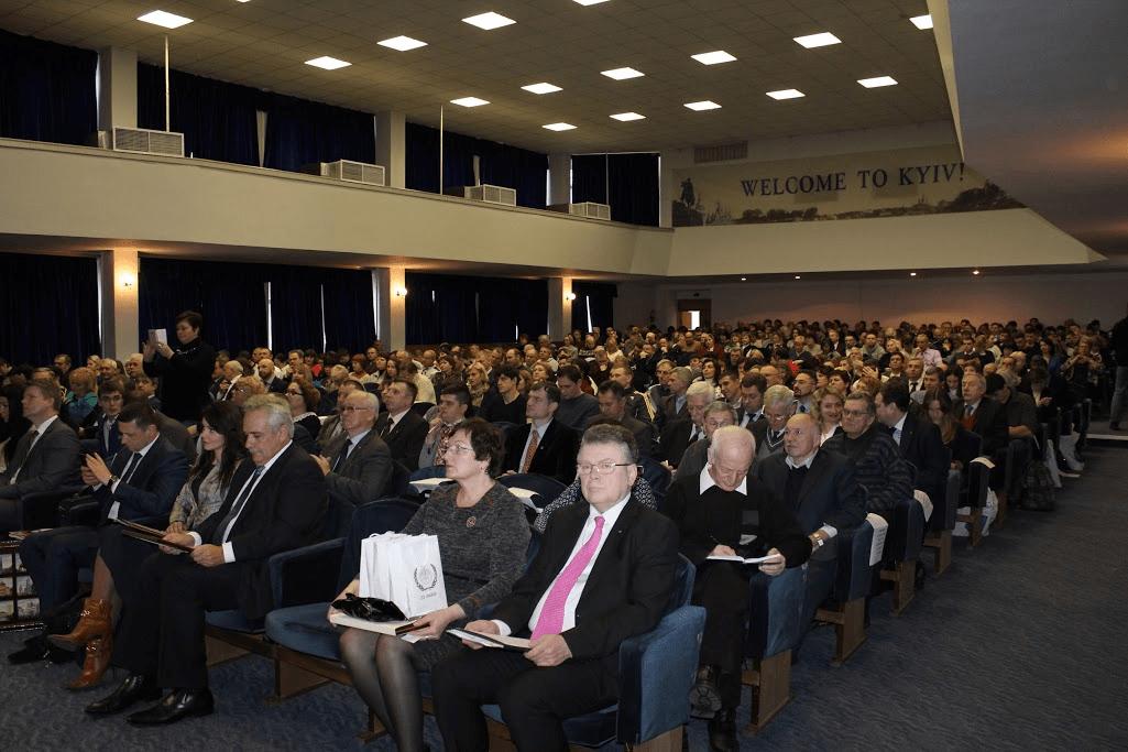 Форуму відбулася Міжнародна наукова конференція «Актуальні проблеми сучасної олімпійської освіти»