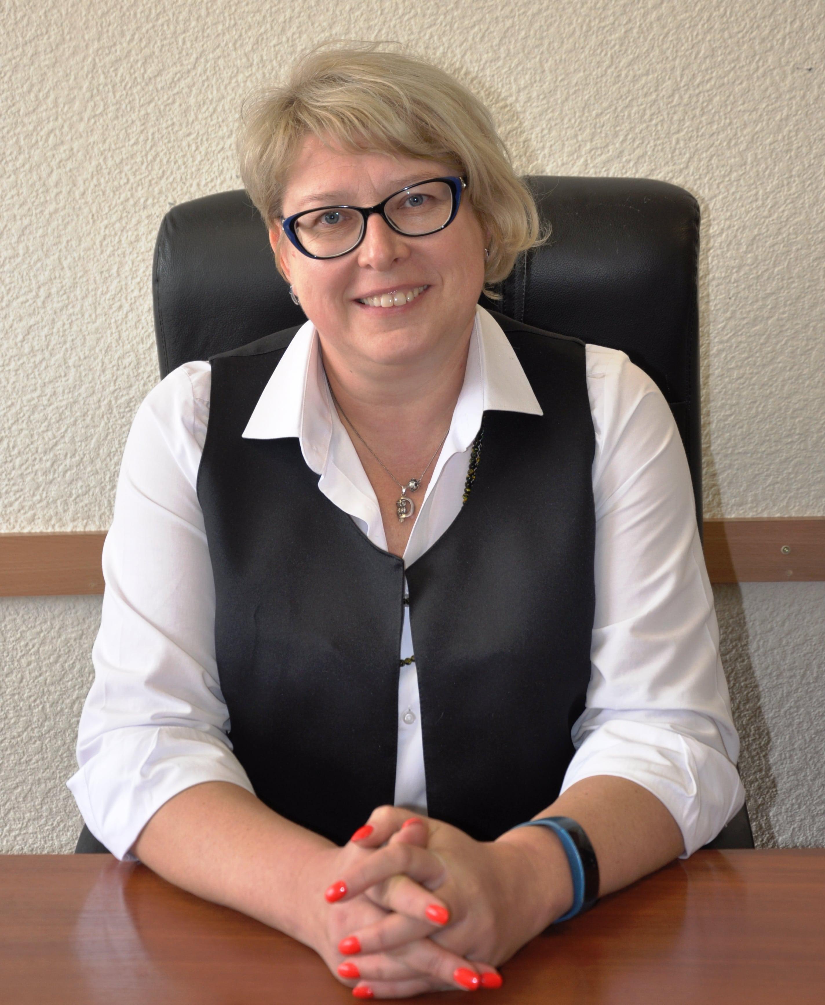 Лазарєва Олена Борисівна - завідувач кафедри фізичної реабілітації