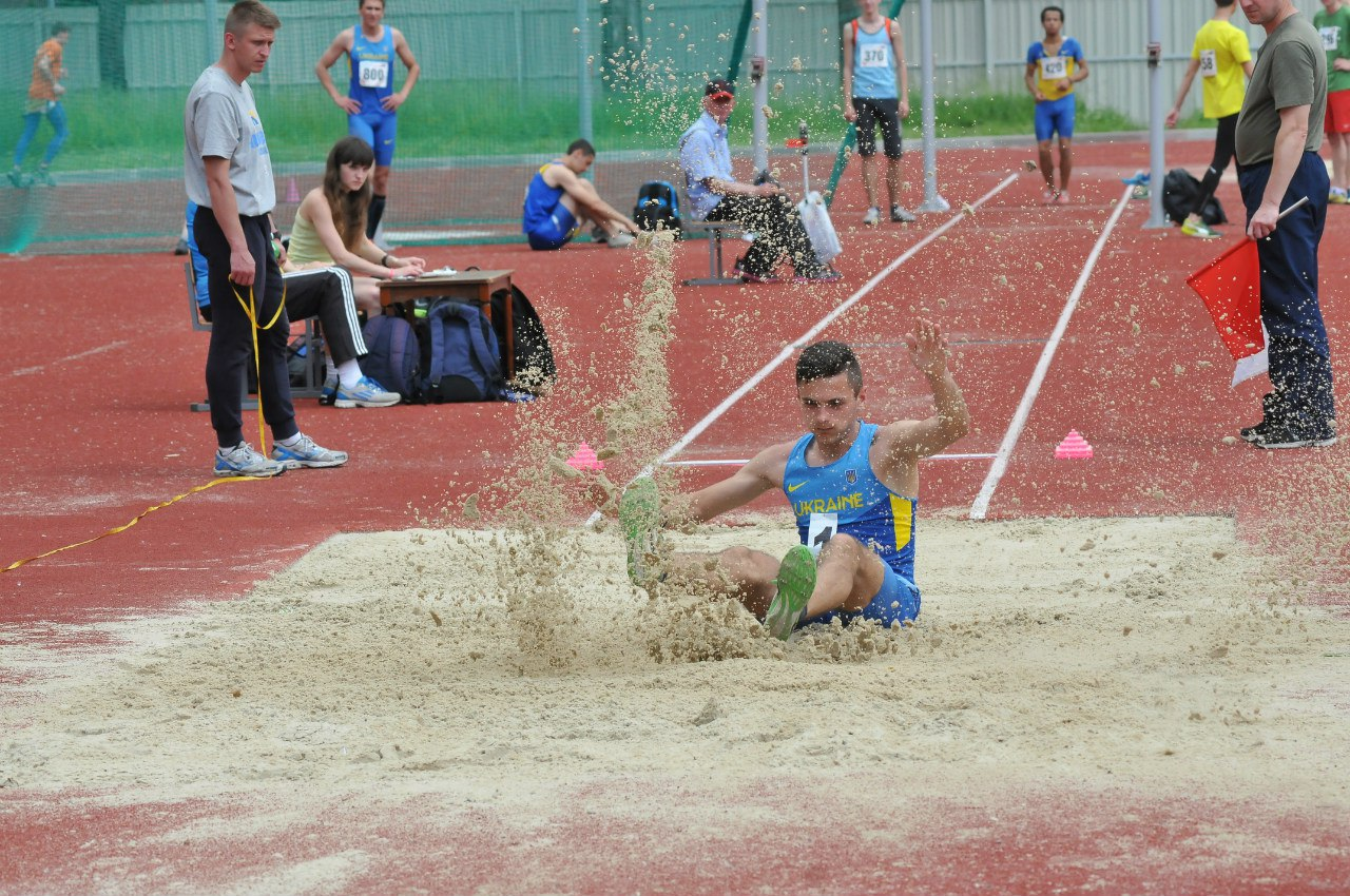 Про Чемпіонати України з легкої атлетики